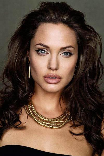 Анджелина Джоли - фотографии актрисы: http://kinokafe.narod.ru/Jolie-01.htm
